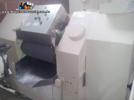 Refinador para sabonetes com 3 cilindros Mazzoni