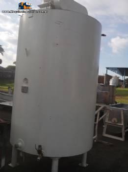 Tanque em aço carbono de 3.500 litros marca Apema