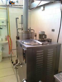 Fábrica completa para produção de sorvete / Lojas