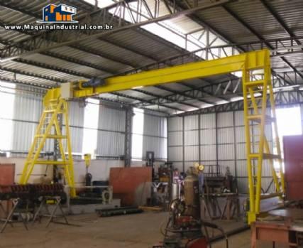 Pórtico para 10 toneladas e 30 metros de trilhos